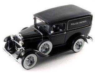 Signature Models 18143 FORD PANEL CAR 1931 BLACK 1/18 Modellino