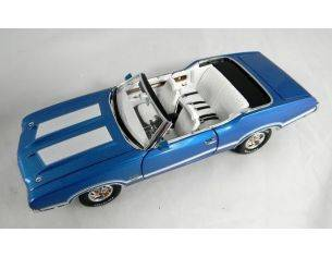 Tin's Manufactured 77301 OLDSMOBILE CONVERTIBLE 442 HARD TOP Modellino