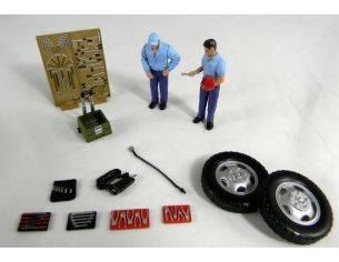 Tin's Manufactured 90026 ACCESSORIES SET CON 2 MECCANICI 1/24 Modellino