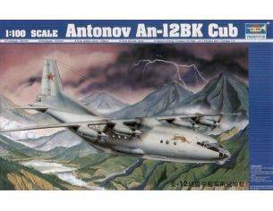 TRUMPETER 04001 ANTONNOV AN-12BK CUB Modellino