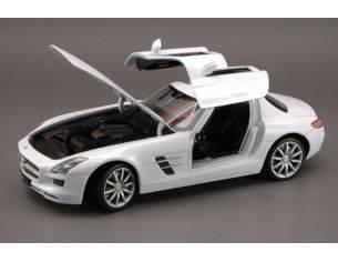 Welly WE4245 MERCEDES SLS AMG 2009 WHITE 1:24 Modellino