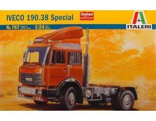 Italeri IT0767 IVECO 190 38 SPECIAL KIT 1:24 Modellino