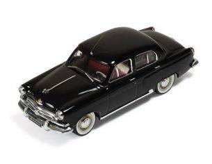 Ixo model CLC174 VOLGA M21 SERIE I 1956 BLACK 1:43 Modellino
