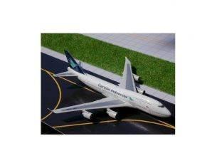 Schuco 3557583 BOEING 747-400 GARUDA 1/500 Modellino