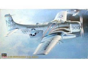 Hasegawa Hobby Kits 51406 A-1H SKYRAIDERS U.S.NAVY 1/73 KIT DI MONTAGGIO Modellino