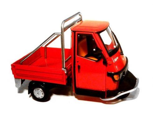 Italeri ape 50 cross country 1994 red 1 32 modellino car for Modellino ape piaggio