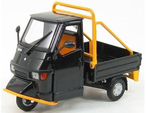 Italeri it68005r ape piaggio cross country black 1 18 for Modellino ape piaggio