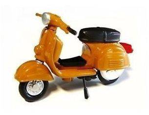New Ray NY06047 VESPA Rally 180 (1968) 1:32 Moto Modellino