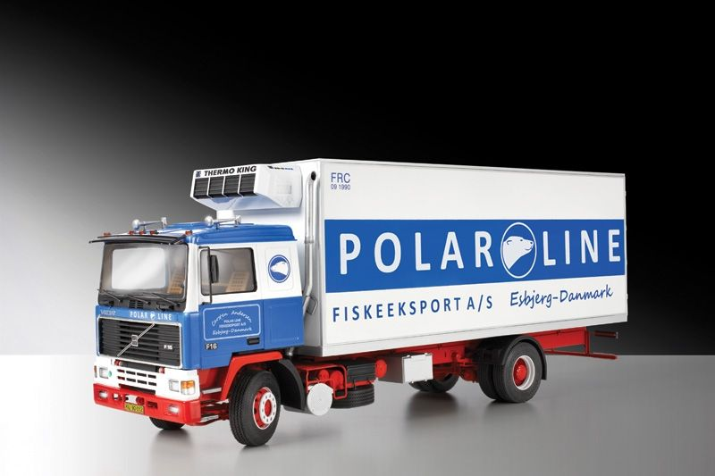 Italeri-IT3893-VOLVO-F16-REEFER-TRUCK-KIT-1-24-Modellino