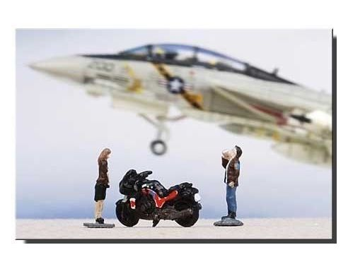 Century Wings 670457 SET FIGURES DONNA+UOMO+MOTO 1/144 Modellino