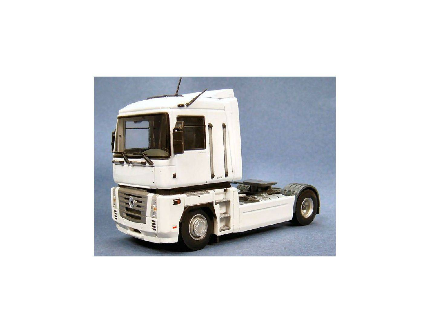 universal hobbies uh5691 camion renault magnum white 1 50. Black Bedroom Furniture Sets. Home Design Ideas