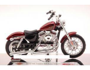 Maisto MI12014 HARLEY DAVIDSON XL 1200V SEVENTY-TWO 2012 METALLIC RED 1:18 Modellino