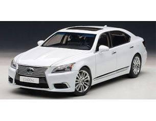 Auto Art / Gateway AA78843 LEXUS LS600HL 2013 WHITE 1:18 Modellino