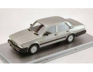 Kess Model KS43000150 ALFA ROMEO ALFA 6 2.5i V6 QUADRIFOGLIO ORO 1983 SILVER 1:43 Modellino
