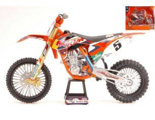 New Ray NY57633 KTM 450 SX-F N.5 RED BULL FACTORY RACING 2014 RYAN DUNGEY 1:10 Modellino