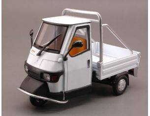 New Ray NY68035W APE PIAGGIO CROSS 50 WHITE 1:18 Modellino