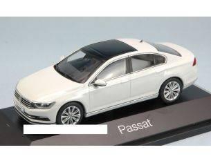 Herpa HP7086 VW PASSAT LIMOUSINE 2015 WHITE 1:43 Modellino