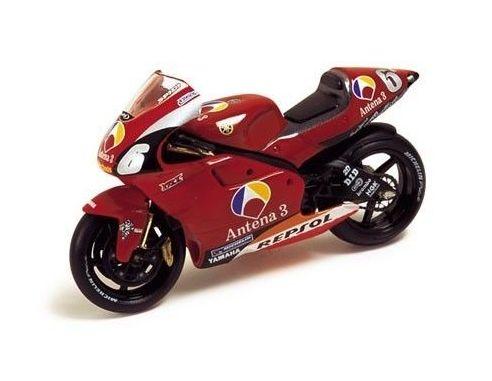 Ixo model RAB037 YAMAHA YZR500 ANTENA 3 GP 2002 1/24 Modellino