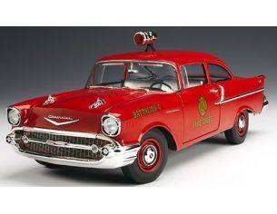 Highway 61 50544 CHEVY 150 1957 FIRE CHIEF 1/18 Modellino