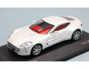 White Box WB159 ASTON MARTIN ONE-77 2010 PEARL WHITE 1:43 Modellino