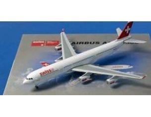Schuco 3557556 AIRBUS A340-300 SWISS 1/500 Modellino
