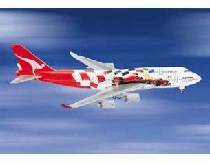 Schuco 3557618 BOEING 747-400 QANTAS FORMEL1 1/500 Modellino