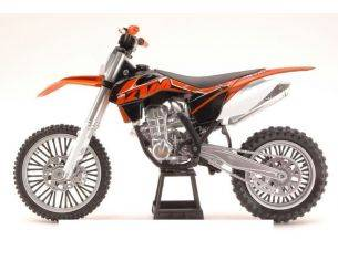 New Ray NY57623 KTM 450 SX-F DIRT BIKE 2014 1:10 Modellino