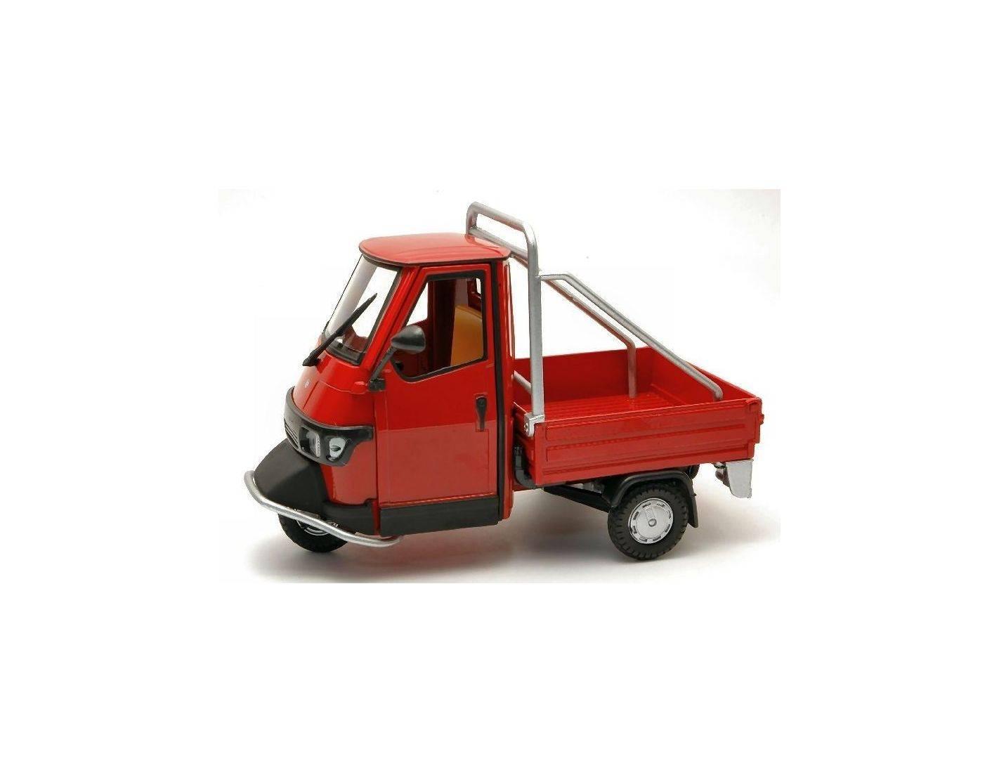 Italeri it68005r ape piaggio cross country red 1 18 for Modellino ape piaggio