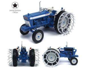 Universal Hobbies UH4879 TRATTORE FORD 5000 WITH METAL WHEELS 1:32 Modellino