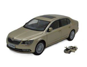 Paudi Model PD2310GL SKODA SUPERB 2013 GOLD 1:18 Modellino