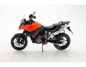 AUTOMAXX 6017 KTM 990 SM-T ORANGE 1/12 Modellino Moto