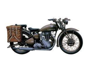 Italeri IT7402 TRIUMPH 3 HW MOTORCYCLE KIT 1:9 Modellino