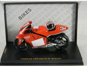 Ixo model RAB017 YAMAHA YZR500 MARLBORO 2001 1/24 Modellino