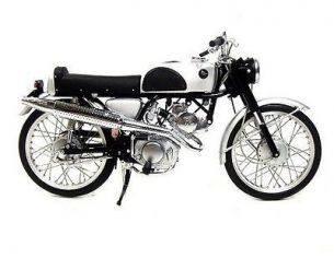 Ebbro EB10004 MOTO HONDA CR110 STREET 1962 1:10 Modellino
