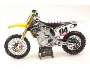 New Ray NY57743 SUZUKI RM-Z450 SUPERCROSS USA 2015 N.94 KEN ROCZEN 1:12 Modellino