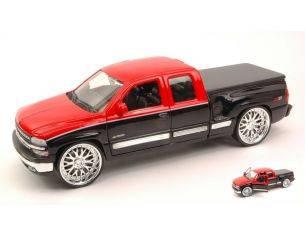 Welly WE0761 CHEVROLET SILVERADO 1999 RED/BLACK 1:24 Modellino