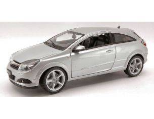 Welly WE0798 OPEL ASTRA GTC 2005 SILVER 1:18 Modellino