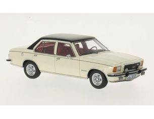 Neo Scale Models NEO43687 OPEL COMMODORE B GS/E 1972 4-DOOR WHITE/BLACK 1:43 Modellino