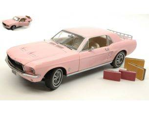 Greenlight GREEN12966 FORD MUSTANG COUPE' 1967 PLAYBOY PINK MUSTANG INCLUDES LUGGAGE 1:18 Modellino