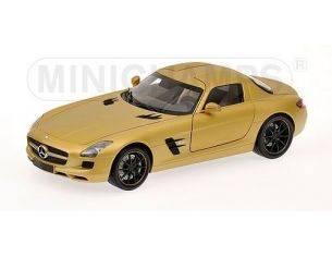 Minichamps PM100039024 MERCEDES SLS AMG 2010 GOLD 1:18 Modellino