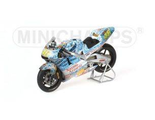 MINICHAMPS 122016186 HONDA NSR 500 DIRTY VERSION VALENTINO ROSSI GP MUGELLO 2001 WORLD CHAMPION 2001 Modellino