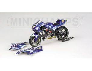 MINICHAMPS 122026319 YAMAHA YZR 500 O. JACQUES MOTOGP 2002 Modellino
