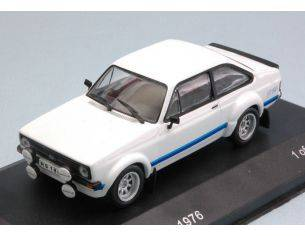 White Box WB226 FORD ESCORT II RS 1800 1976 WHITE 1:43 Modellino