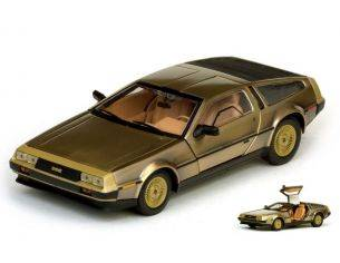 SunStar SS2702 DE LOREAN DMC 12 COUPE' LK 1981 STAINLESS STEEL GOLD EDITION 1:18 Modellino