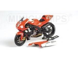 MINICHAMPS 123016303 YAMAHA YZR 500 MAX BIAGGI 500 cc GP 2001 Modellino