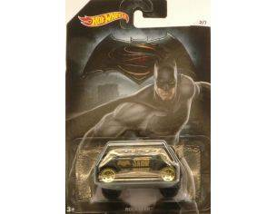 Hot Wheels HWDJL47R ROCKSTER BATMAN V SUPERMAN 1:64 Modellino