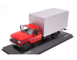 White Box WB267 CHEVROLET D-40 RED/SILVER 1:43 Modellino