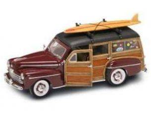 Hot Wheels LDC20028BG FORD WOODY 1948 BURGUNDY C/WINDSURF 1:18 Modellino