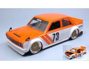 Jada JADA99096 DATSUN 510 1973 WIDEBODY N.73 WHITE/ORANGE JDM TUNERS 1:24 Modellino