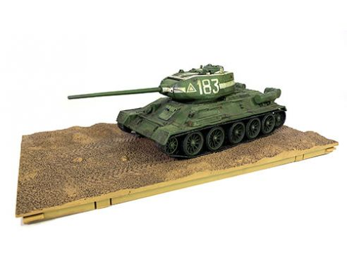FORCES OF VALOR FOR801013B SOVIET T-34/85 MEDIUM TANK 1944 NIGHT WEATHERING 1:32 Modellino